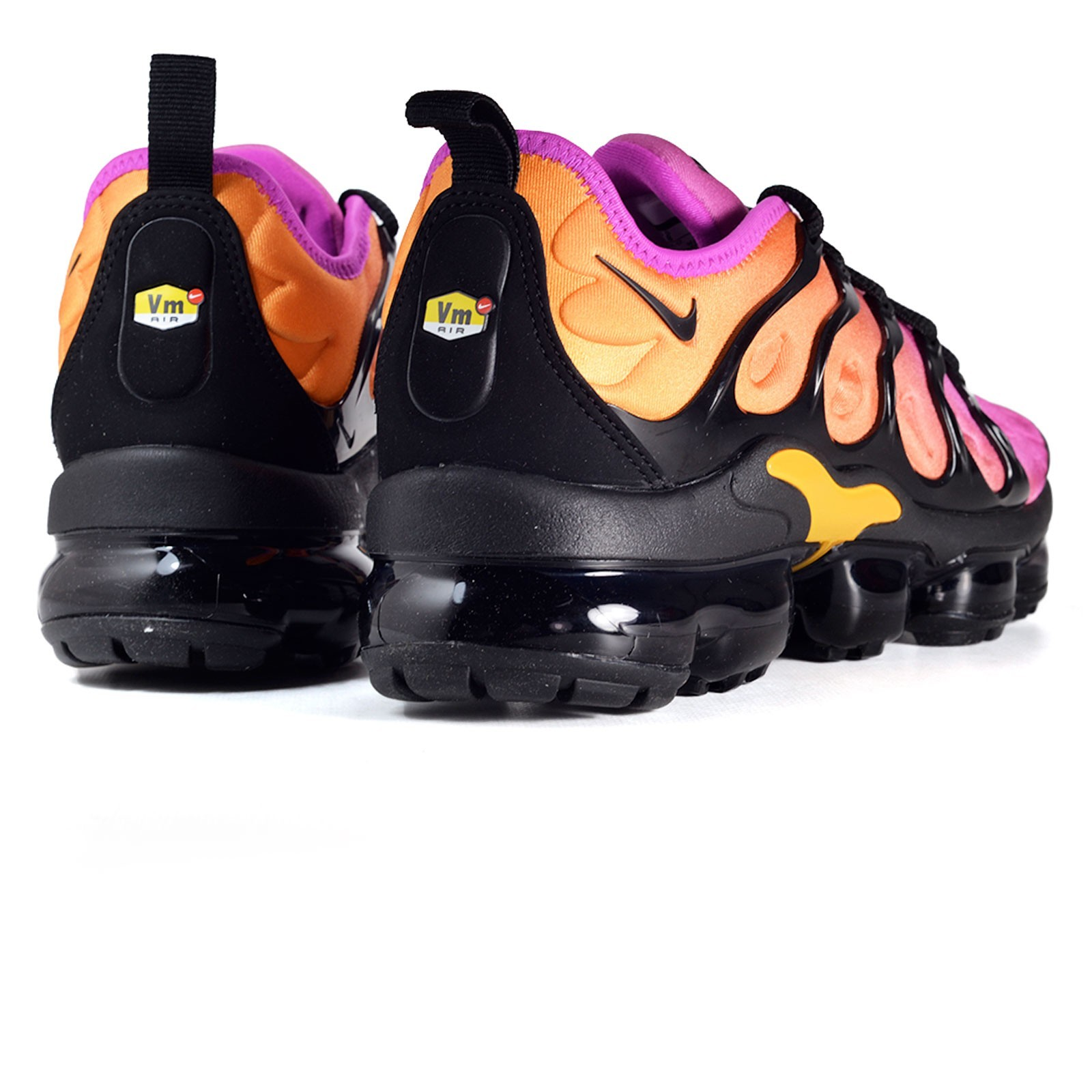 competitive price d97a3 b49b9 Scarpe donna sneakers NIKE AIR VAPORMAX PLUS in tessuto sintetico  multicolor AO4550-004